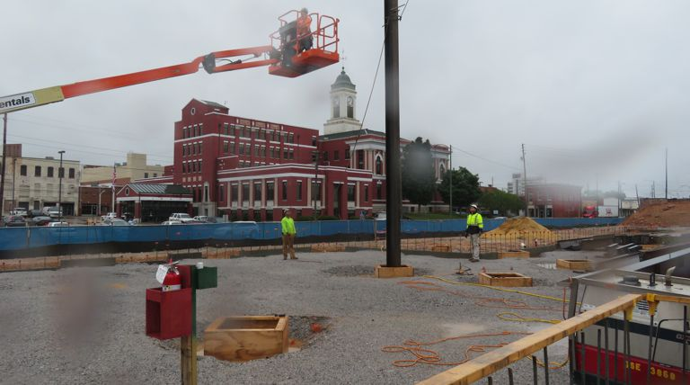 First steel beams installed for new Anniston federal courthouse